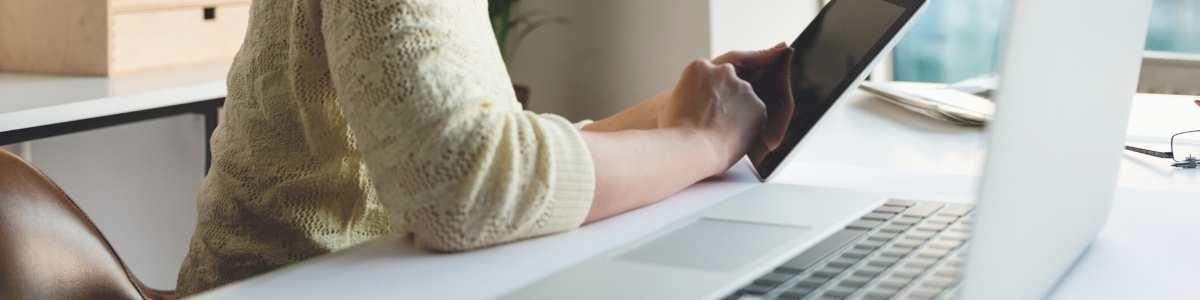 Une CFO s'informe sur les soft skills les plus recherchées sur le marché