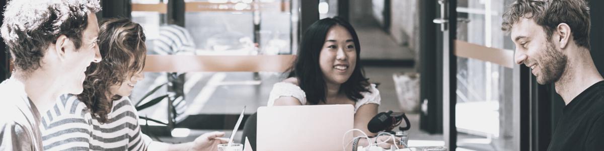 Een financieel team plant de implementatie van analytische boekhouding in het bedrijf