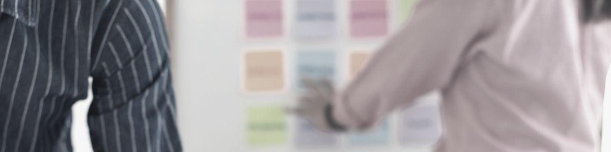 Les équipes produit et design optimisent la nouvelle interface de la plateforme de pilotage de performance de l'entreprise EMAsphere